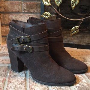 Reba Zania ankle boots